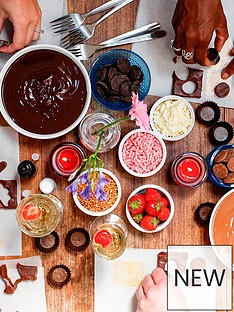 virgin-experience-days-luxury-chocolate-making-workship-for-two-including-bubbly-in-branchnbspplace-london