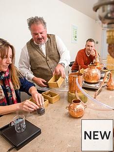 virgin-experience-days-gin-school-experience-at-nelsons-gin-distillery-innbsputtoxeternbspstaffordshire
