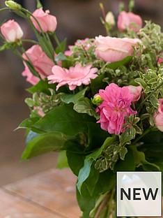 virgin-experience-days-flower-arranging-workshop-for-two-innbsphackney-london