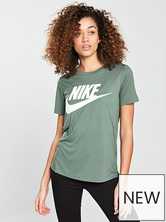 nike-sportswear-essential-logo-t-shirt-greenwhitenbsp