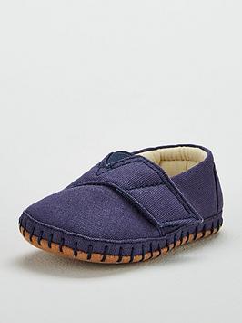 toms-crib-shoe