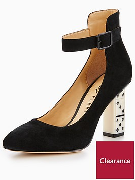katy-perry-the-stacie-dice-heel-court