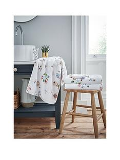 cath-kidston-scattered-pressed-flowers-bath-sheet