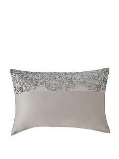 kylie-minogue-cadence-housewife-pillowcase