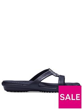 crocs-sanrah-hammered-metallic-sandal-black