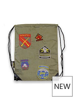 call-of-duty-wwii-division-patches-backpack
