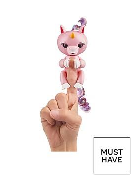 fingerlings-wowwee-unicorn-pink