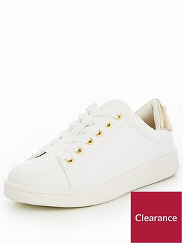miss-kg-kori-trainer-with-pearl-stud-white