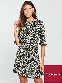 oasis-ditsy-frill-sleeve-dress
