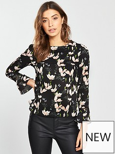 oasis-magnolia-fluted-sleeve-top