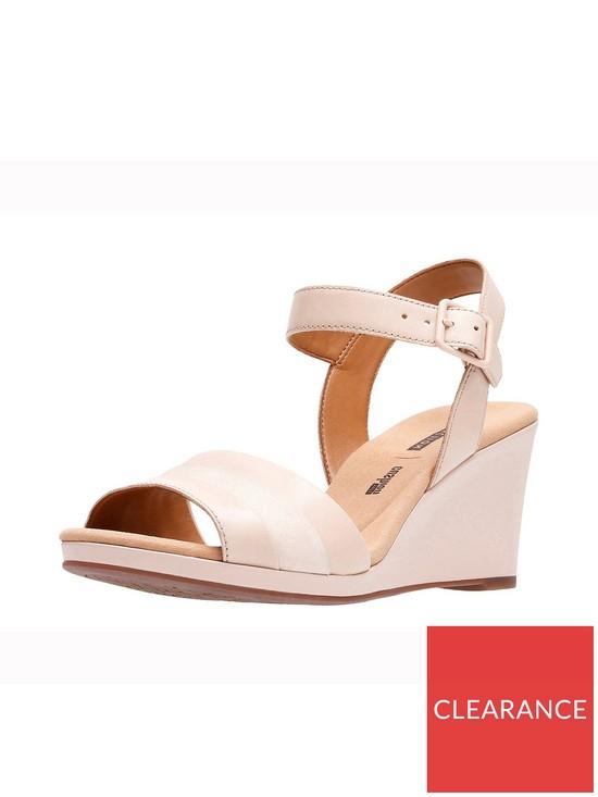 2331fc6f770c Clarks Lafley Aletha Wedge Sandal - Dusty Pink