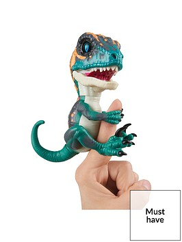 fingerlings-untamed-ndash-velociraptor-dino-ndash-razor-blue