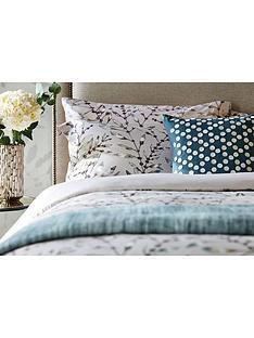 harlequin-chaconia-100-cotton-cushion