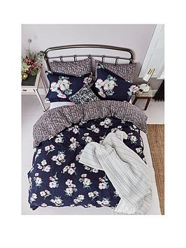 joules-painted-poppy-100-cotton-sateen-bedspread-throw