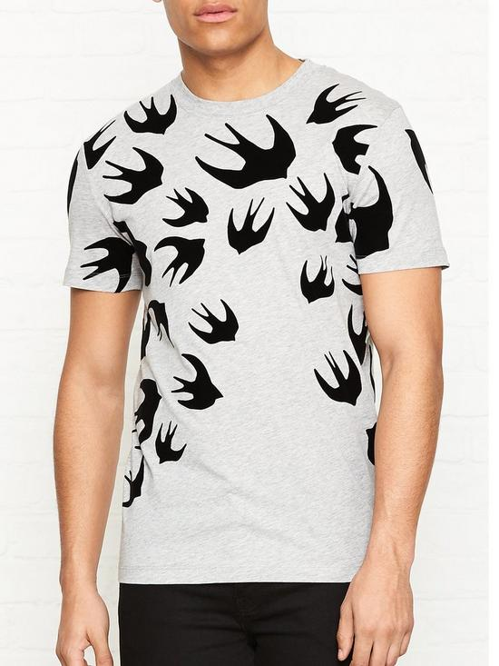 01a66065 MCQ ALEXANDER MCQUEEN T-shirt With All Over Large Swallow Flock Print - Grey