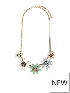 accessorize-statement-flower-necklace