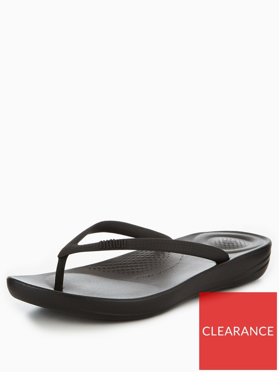 c1d6b8b0fdb8 FitFlop iQushion™ Ergonomic Flip Flop - Black