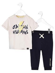 river-island-mini-boys-stone-lsquomischievousrsquo-t-shirt-outfit