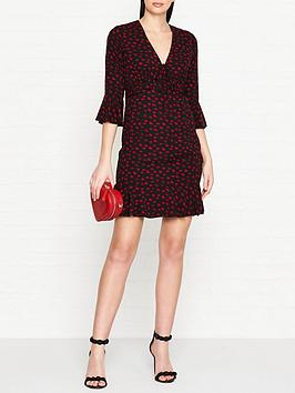 guess-penelope-all-over-lips-print-dress-blackred