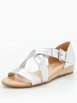 Head Over Heels Head Over Heels Kylaa Cross Strap Mini Wedge