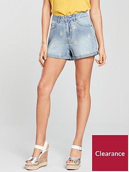 vero-moda-nineteennbspdenim-shorts-with-daisy-embroidery-medium-blue