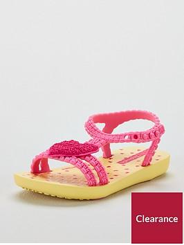 ipanema-heart-sandal
