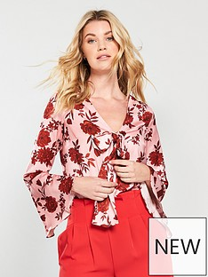 v-by-very-fluted-sleeve-body-print
