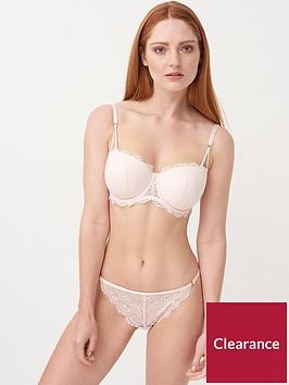 lepel-tia-thong-nude