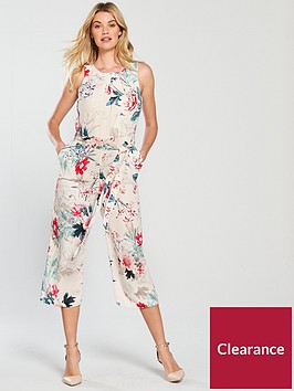 wallis-wonderland-floral-jumpsuit