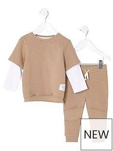 river-island-boys-camel-layer-top-and-joggers-outfit