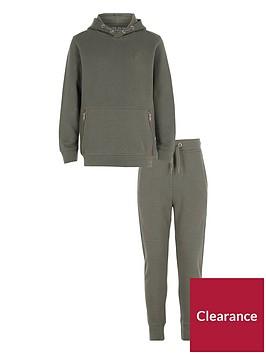 river-island-boys-khaki-pique-hoodie-outfit