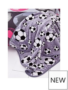 catherine-lansfield-football-throw