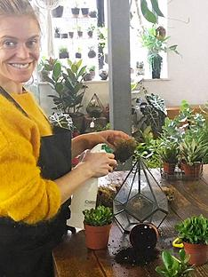 virgin-experience-days-terrarium-workshop-with-prosecconbspin-hackney-london