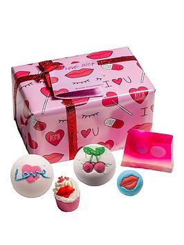 bomb-cosmetics-love-sick-giftset