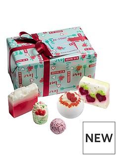 bomb-cosmetics-be-mine-valentine-giftset