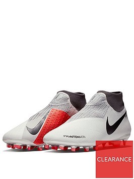 nike-phantom-vision-pro-dynamic-fit-firm-ground-football-boots-raised-on-concrete