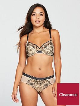 dorina-ashley-curve-hipster-nude