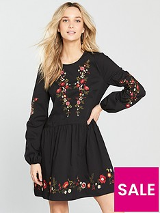 miss-selfridge-embroidered-smock-dress-blacknbsp