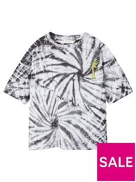 mango-boys-graphic-pocket-tshirt