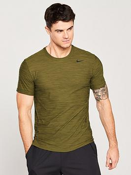 nike-training-dry-breathe-t-shirt