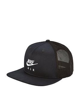 nike-sportswear-pro-air-cap