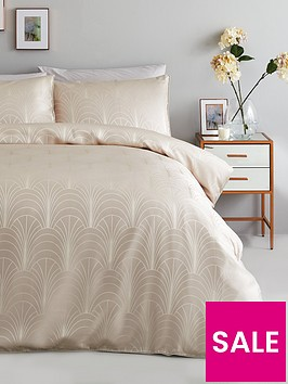 ideal-home-noir-nights-deco-curve-jacquard-duvet-cover-set-oysternbsp