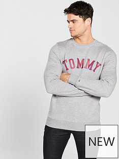 tommy-jeans-graphic-sweat