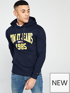 tommy-jeans-essential-graphic-hoody
