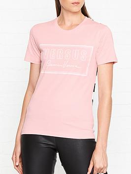 versus-versace-checkerboard-logo-t-shirt-light-pink