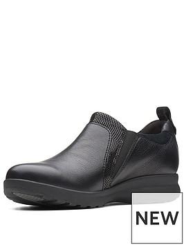 clarks-un-adorn-zip-flat-shoe-black