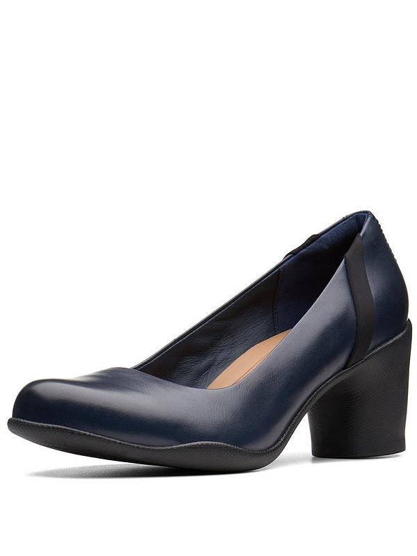 5297b61b1c126 Clarks Un Rosa Step Court Shoe - Navy | very.co.uk