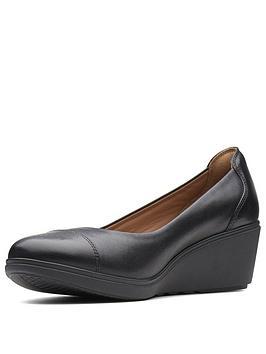 Clarks Un Tallara Dee Wedge Shoe - Black