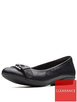 clarks-wide-fit-neenah-lark-ballerina-black