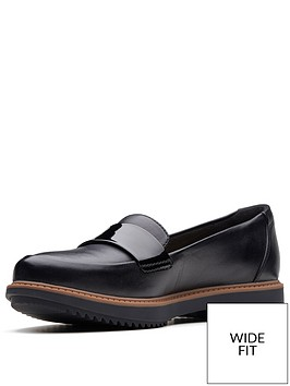 clarks-raisie-arlie-wide-fit-loafers-black